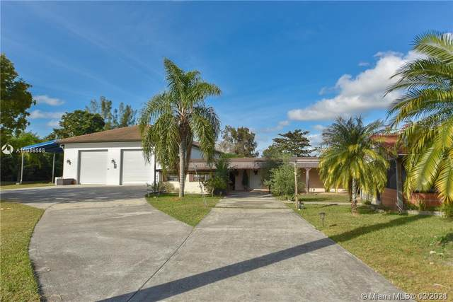 19101 SW 57th Ct, Southwest Ranches, FL 33332 (MLS #A11016143) :: The Teri Arbogast Team at Keller Williams Partners SW