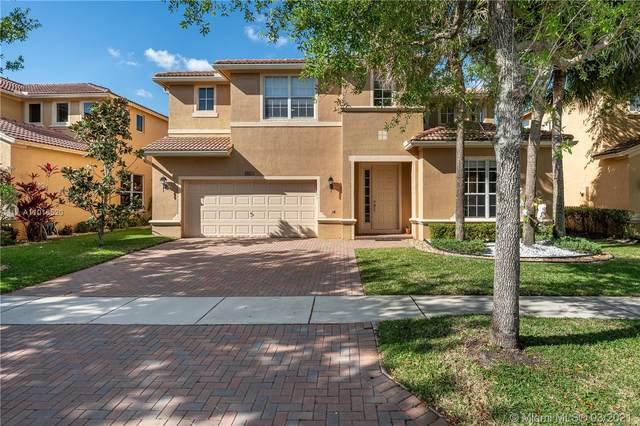 19153 S Crystal St, Weston, FL 33332 (MLS #A11016520) :: The Paiz Group