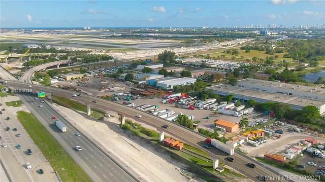 2490 SW 32nd St, Dania Beach, FL 33312 (MLS #A11016736) :: The Teri Arbogast Team at Keller Williams Partners SW