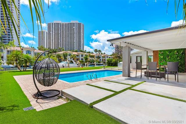 207 Holiday Dr, Hallandale Beach, FL 33009 (MLS #A11016896) :: The Howland Group