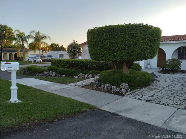 7300 SW 133rd Ave, Miami, FL 33183 (MLS #A11017643) :: The Riley Smith Group