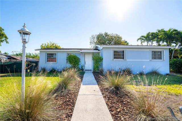 20111 SW 117th Ct, Miami, FL 33177 (MLS #A11017702) :: The Jack Coden Group