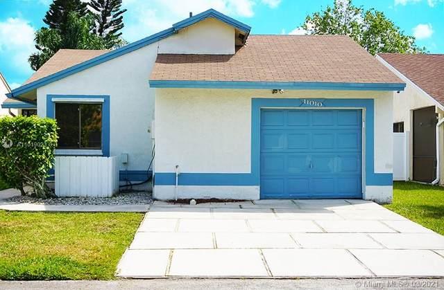 11010 SW 13th St, Pembroke Pines, FL 33025 (MLS #A11019023) :: Prestige Realty Group