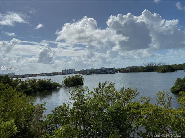 17111 Biscayne Blvd #304, North Miami Beach, FL 33160 (MLS #A11019312) :: The Riley Smith Group