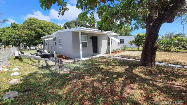 2321 NW 13th Ct, Fort Lauderdale, FL 33311 (MLS #A11019432) :: The Paiz Group