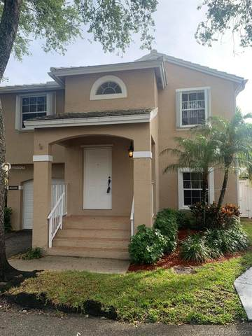 9858 NW 2nd Ct, Plantation, FL 33324 (MLS #A11020263) :: The Rose Harris Group