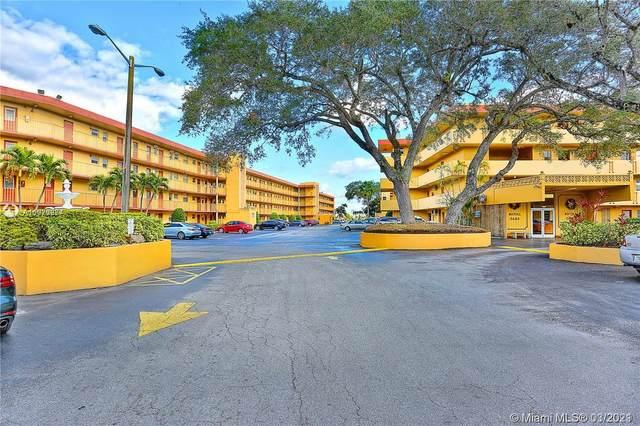 445 NE 195th St #127, Miami, FL 33179 (MLS #A11020274) :: The Riley Smith Group