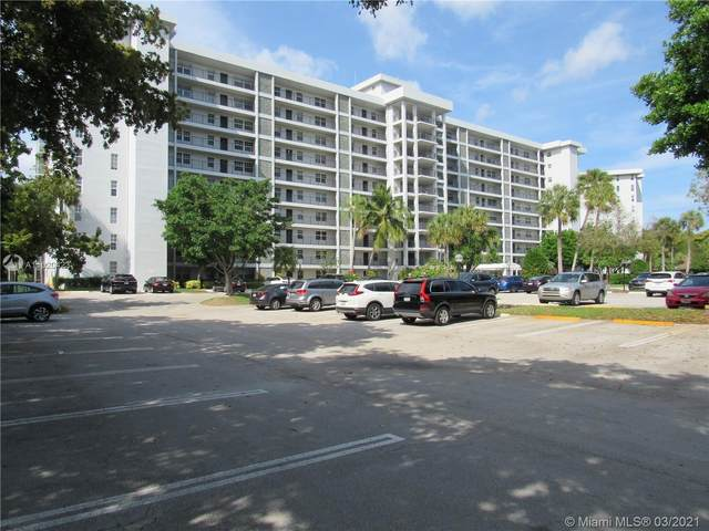 4015 W Palm Aire Dr #605, Pompano Beach, FL 33069 (MLS #A11020423) :: Green Realty Properties