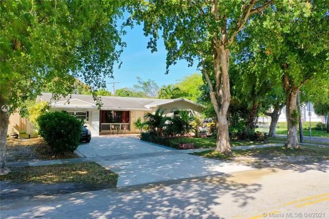 5301 Pierce St, Hollywood, FL 33021 (MLS #A11020570) :: Castelli Real Estate Services