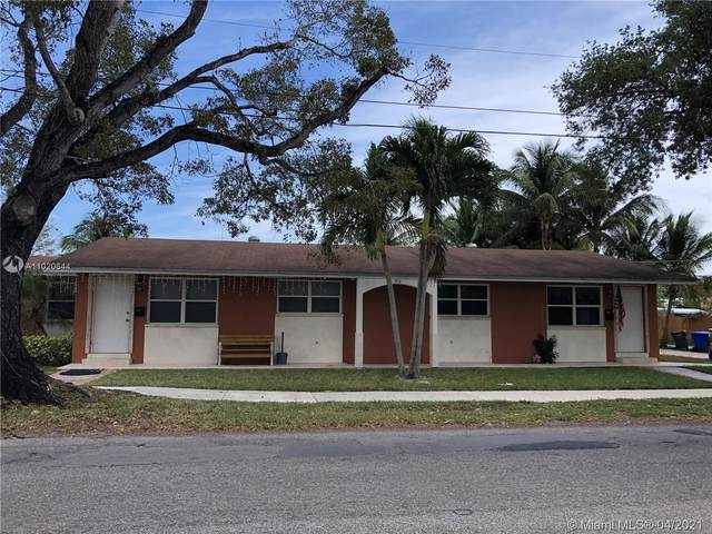 2111 N 26th Ave, Hollywood, FL 33020 (MLS #A11020644) :: The Jack Coden Group