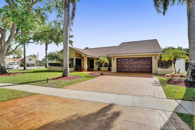 1724 NW 91st Ave, Plantation, FL 33322 (MLS #A11021125) :: The Jack Coden Group