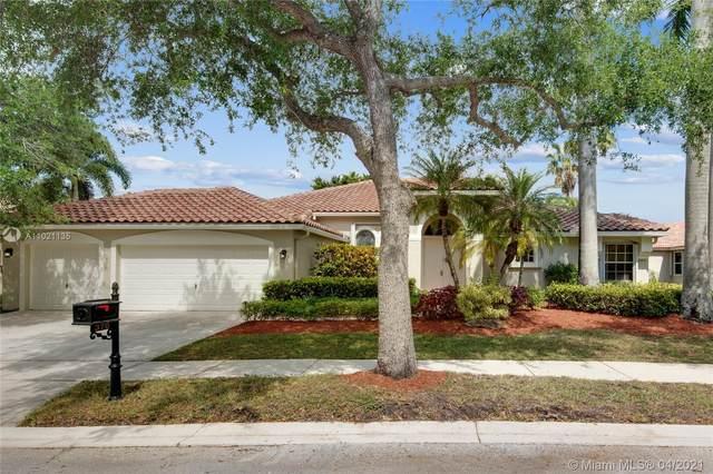 370 Mallard Rd, Weston, FL 33327 (MLS #A11021135) :: The Howland Group
