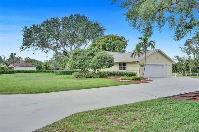 6821 SW 55th St, Davie, FL 33314 (MLS #A11021538) :: The Jack Coden Group