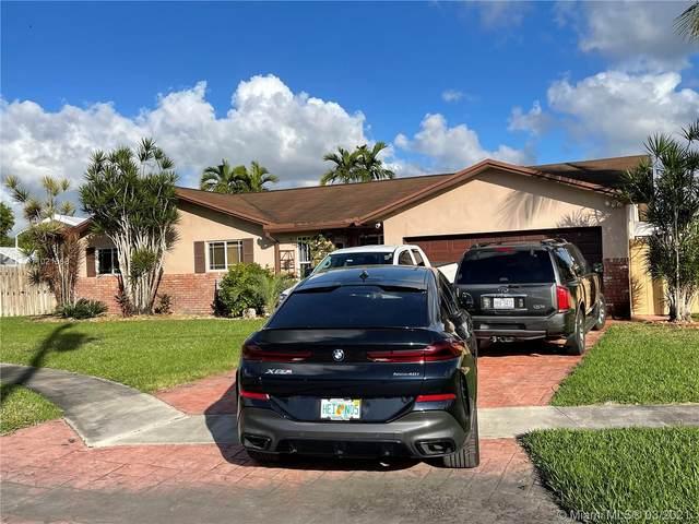 128 SW 127th Ave, Plantation, FL 33325 (MLS #A11021568) :: The Paiz Group