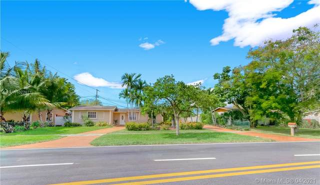 17020 NW 82nd Ave, Hialeah, FL 33015 (MLS #A11022071) :: The Riley Smith Group