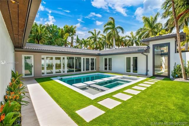 1721 S Bayshore Ln, Miami, FL 33133 (MLS #A11022129) :: The Jack Coden Group