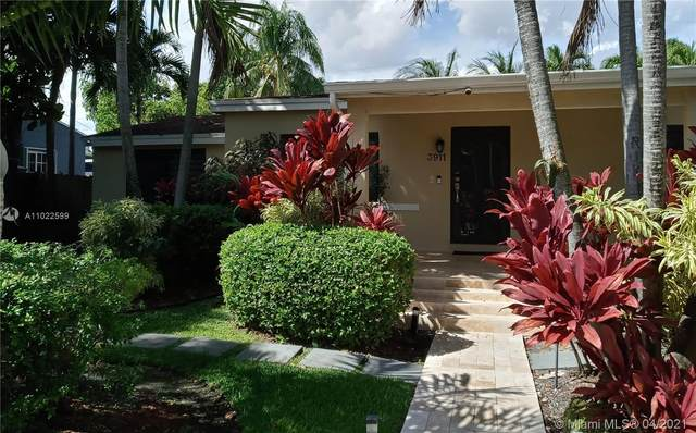 3911 NW 11th St, Miami, FL 33126 (MLS #A11022599) :: The Paiz Group