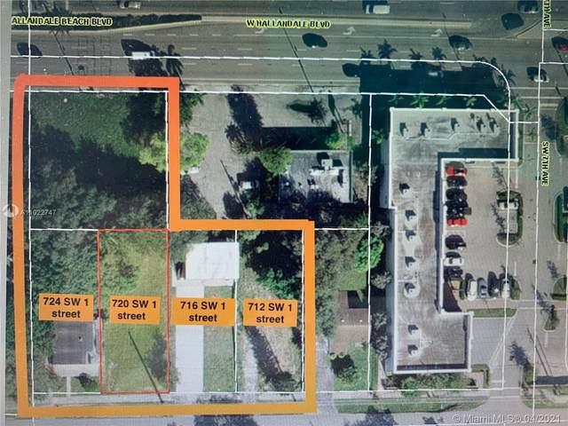 712 SW 1st St, Hallandale Beach, FL 33009 (MLS #A11022747) :: The Jack Coden Group
