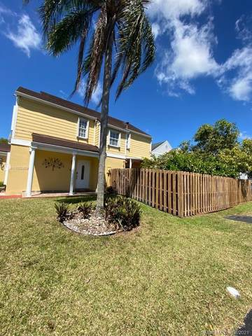 11829 SW 117th Pl, Miami, FL 33186 (MLS #A11022809) :: The Jack Coden Group