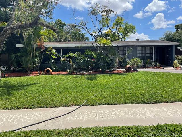 210 NE 175th St, North Miami Beach, FL 33162 (MLS #A11023098) :: The Riley Smith Group