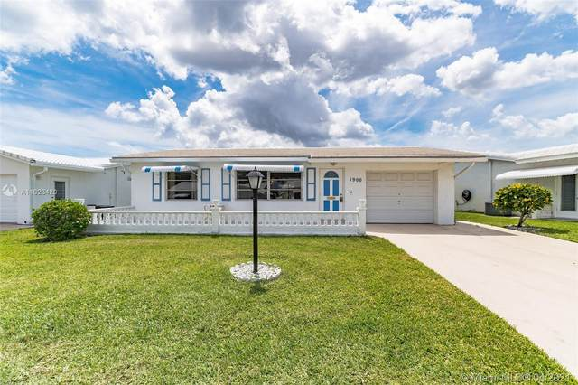 1900 SW Roma Way, Boynton Beach, FL 33426 (MLS #A11023420) :: The Paiz Group