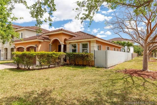17715 SW 135th Ave, Miami, FL 33177 (MLS #A11023433) :: Rivas Vargas Group
