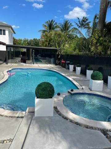 15774 SW 147th Ln, Miami, FL 33196 (MLS #A11023434) :: The Paiz Group