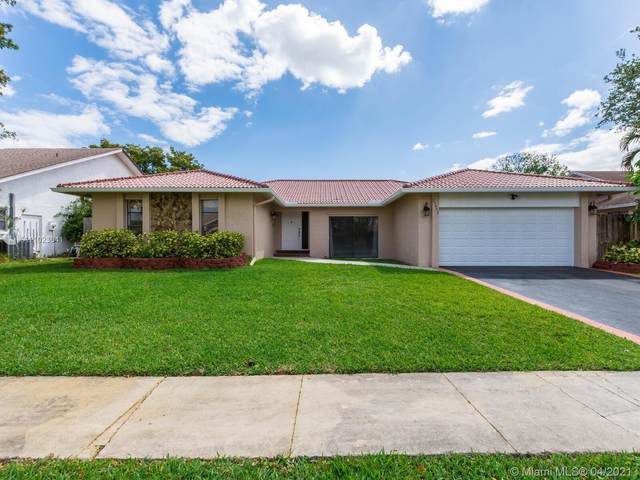 21452 Woodchuck Ln, Boca Raton, FL 33428 (MLS #A11023641) :: The Jack Coden Group
