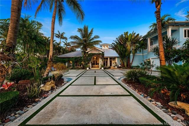 10605 SW 61st Ave, Pinecrest, FL 33156 (MLS #A11023650) :: Berkshire Hathaway HomeServices EWM Realty