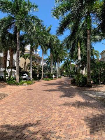 5863 Paradise Point Dr, Palmetto Bay, FL 33157 (MLS #A11023899) :: The Paiz Group