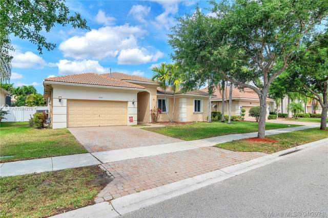 6163 SW 191st Ave, Pembroke Pines, FL 33332 (MLS #A11024275) :: Green Realty Properties