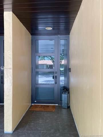16123 Kingsmoor Way, Miami Lakes, FL 33014 (MLS #A11024668) :: Lucido Global