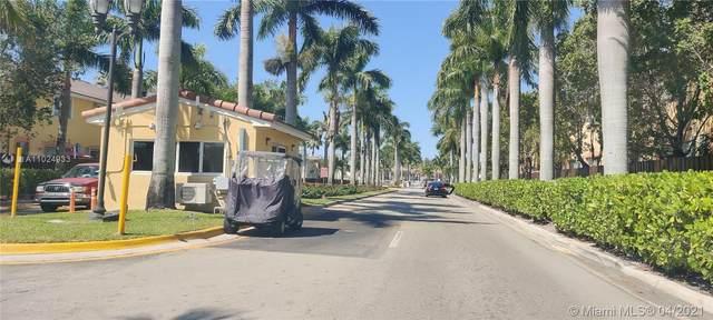 2731 SE 17th Ave #102, Homestead, FL 33035 (MLS #A11024933) :: Equity Advisor Team
