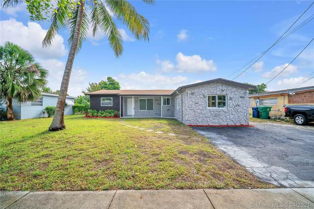 920 NW 35th Ave, Lauderhill, FL 33311 (MLS #A11025045) :: The Howland Group