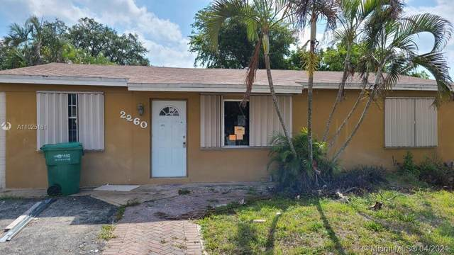 2260 SW 42nd Ter, Fort Lauderdale, FL 33317 (MLS #A11025181) :: The Rose Harris Group
