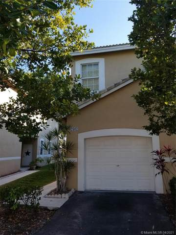 2002 Madeira Dr, Weston, FL 33327 (MLS #A11025247) :: The Howland Group