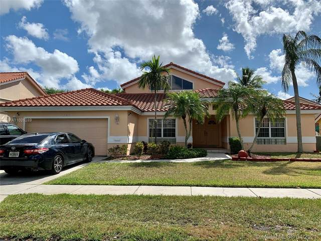955 NW 202nd Ter, Pembroke Pines, FL 33029 (MLS #A11025289) :: The Riley Smith Group
