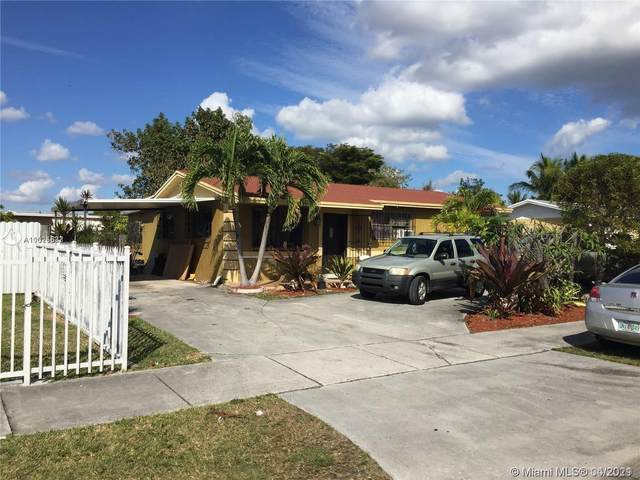 11471 SW 197th St, Miami, FL 33157 (MLS #A11025687) :: Patty Accorto Team