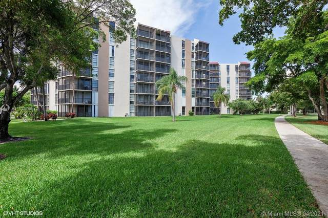 3101 N Country Club Dr #411, Aventura, FL 33180 (MLS #A11025765) :: The Rose Harris Group