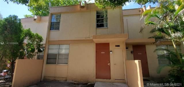 6114 SW 68th St #52, South Miami, FL 33143 (MLS #A11025826) :: Carlos + Ellen