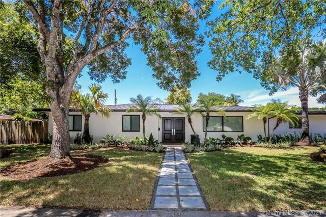 15100 SW 87th Ave, Palmetto Bay, FL 33176 (MLS #A11025922) :: Berkshire Hathaway HomeServices EWM Realty