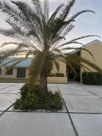 17640 Old Cutler Rd, Palmetto Bay, FL 33157 (MLS #A11025999) :: Team Citron