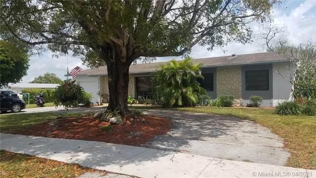 18101 SW 92nd Ave, Palmetto Bay, FL 33157 (MLS #A11026016) :: Berkshire Hathaway HomeServices EWM Realty