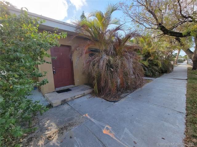 2118 N 19th Ave, Hollywood, FL 33020 (MLS #A11026058) :: Team Citron