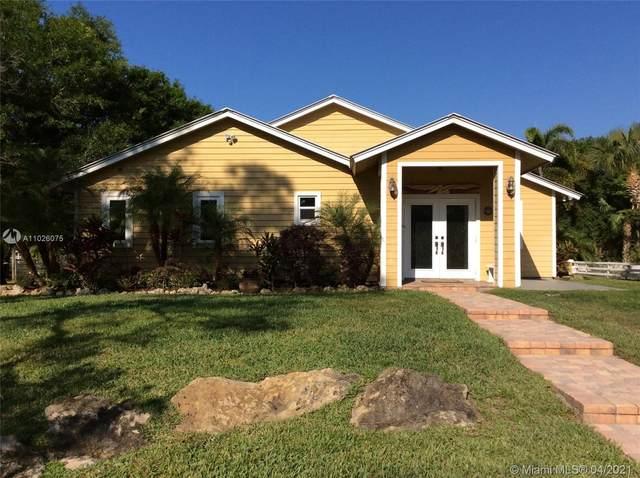 5802 SW Mistletoe Ln, Palm City, FL 34990 (MLS #A11026075) :: Dalton Wade Real Estate Group