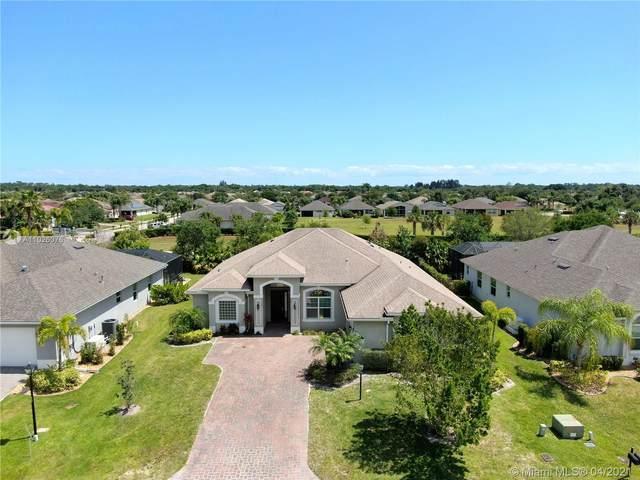 703 SW Fortunella Cir Sw, Vero Beach, FL 32968 (MLS #A11026076) :: Team Citron