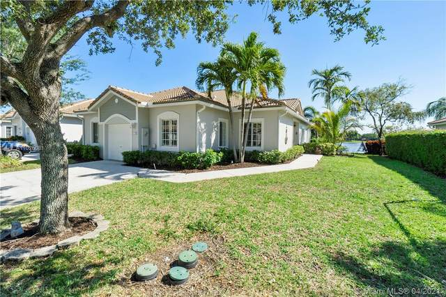 4244 SW 11th St, Deerfield Beach, FL 33442 (MLS #A11026081) :: The Howland Group