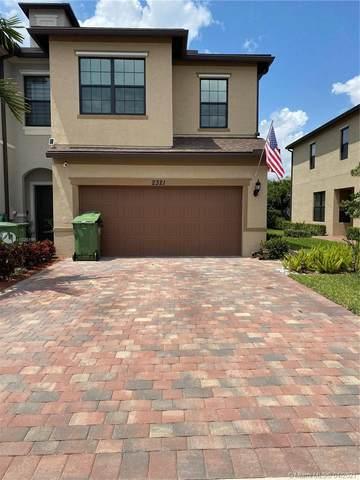 2321 Bryon St, Palm Springs, FL 33406 (MLS #A11026198) :: Equity Advisor Team