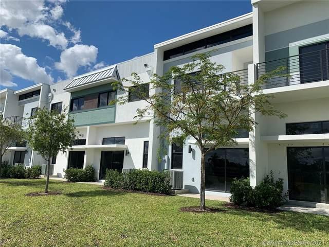 4368 NW 8th Ct #4368, Plantation, FL 33317 (MLS #A11026218) :: Berkshire Hathaway HomeServices EWM Realty