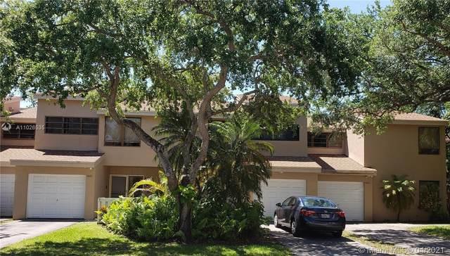 9885 Fairway Cove Ln #9885, Plantation, FL 33324 (MLS #A11026535) :: The Rose Harris Group